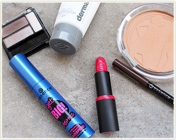 2015_osheagaessential_essence_look2_products