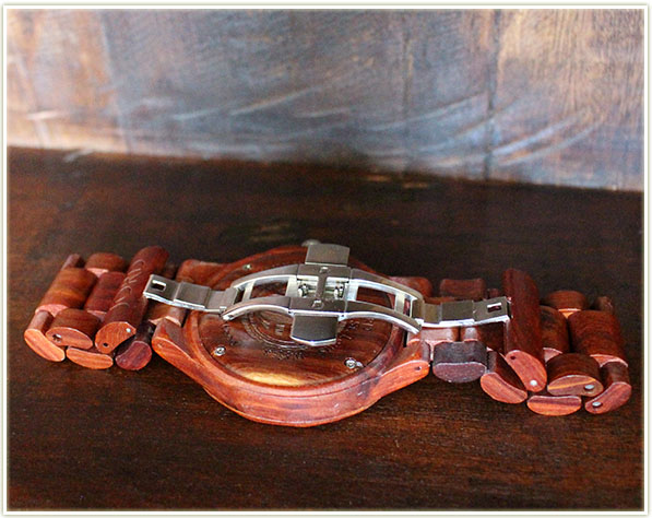 JORD Wood Watch in Sully (Red Sandalwood) - check out that clasp!