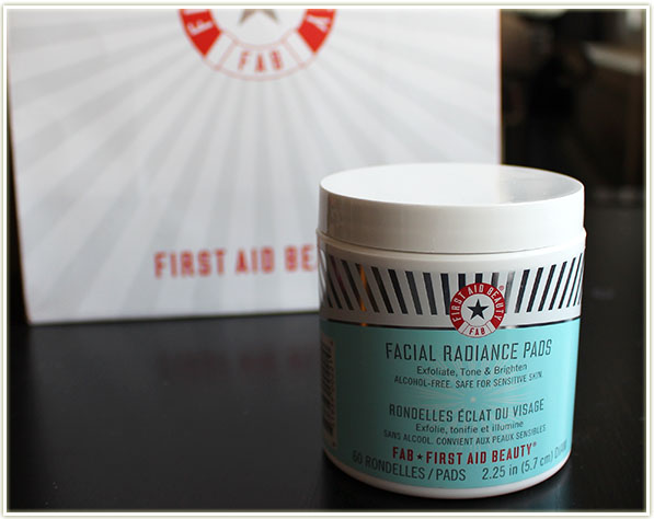 First Aid Beauty - Radiance Pads