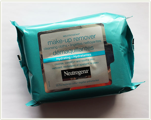 Neutrogena Hydrating Cleansing Clothes ($8.99 CAD)