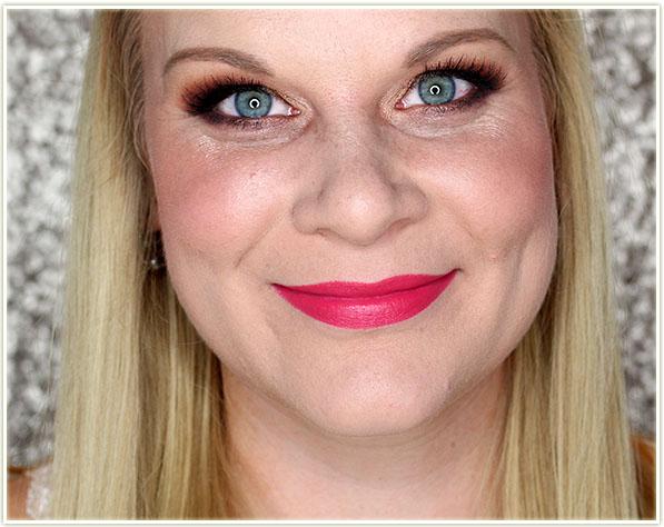 Mary Kay Gel Semi-Matte Lipstick in Powerful Pink
