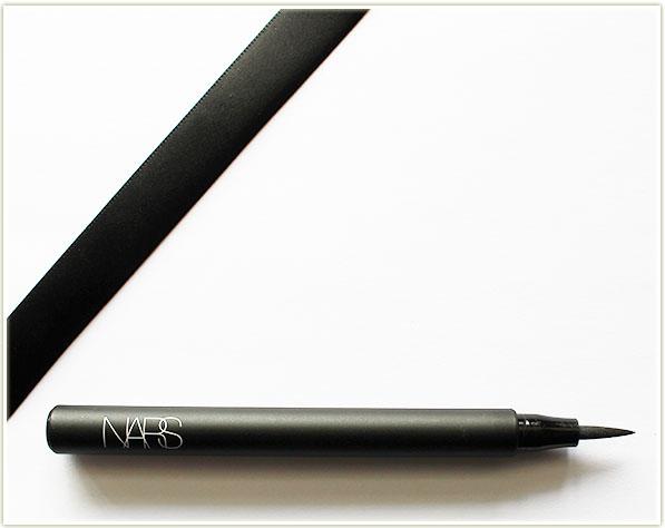 NARS Unrestricted Eyeliner Stylo - matte black
