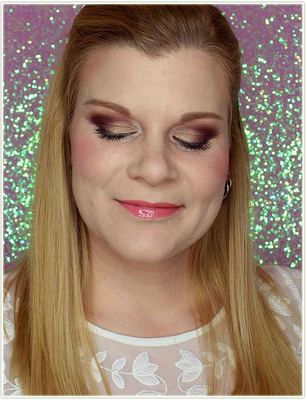 Wearing the Desert Sunrise eyeshadows, Coralbell lip gloss and Bloom blush