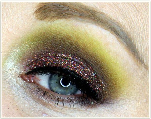 DAVIDsTEA - Cardamummy French Toast makeup look