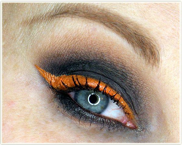 DAVIDsTEA - Pumpkin Die makeup look