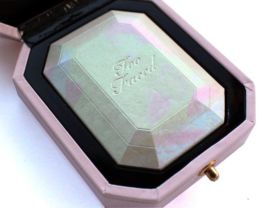 Too Faced Diamond Light Multi-Use Highlighter in Diamond Fire