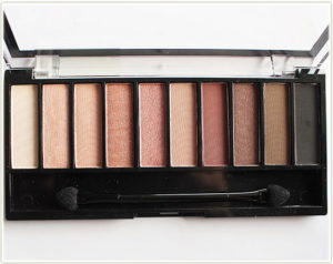Pin di Makeup Products & Swatches
